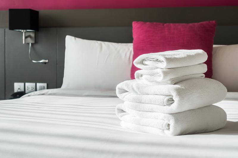 Hotel-bookings-3